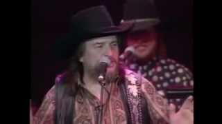 DUKES OF HAZZARD-THEME SONG PERFORMED LIVE- WAYLON JENNINGS
