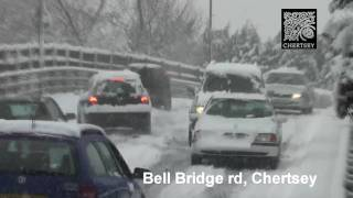 preview picture of video 'Cars stuck on Bridge (Snow) in Chertsey, Surrey'