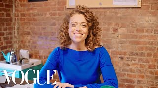 73 Questions With Michelle Wolf | Vogue - Video Youtube