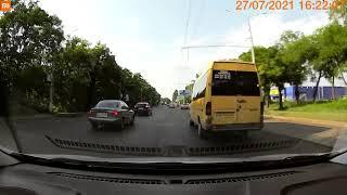 В Николаеве столкнулись «Мицубиси» и «Фольксваген» (видео)