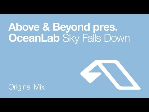 Música Sky Falls Down