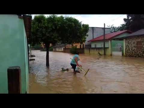 SiteBarra - Rio transborda em Cachoeirinha de Itaúnas - Barra de São Francisco