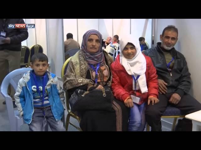 رئيس وزراء كندا يستقبل اللاجئين السوريين