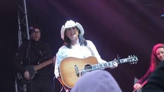 Terri Clark - No Fear (live) Eastbound Hoedown 2017