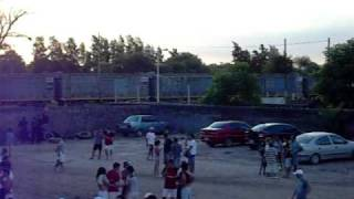 preview picture of video 'Carguero de NCA por Colonia Dora (06-02-2011)'