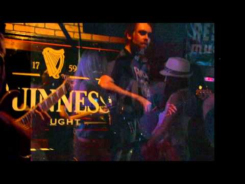 A Bear with a Car on Top - Live at Kilkenny's - 2010 - Jellyfish Productions