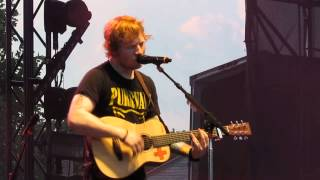 Ed Sheeran~Hit Me Baby One More Time (Britney Spears Cover)