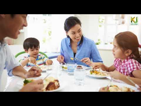 जमीन पर बैठकर खाने की परंपरा के फायदे पढ़िए // कृषि जागरण