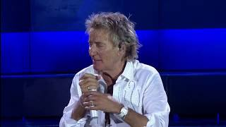 Rod Stewart 'Downtown Train' 2017 Live into the Crowd