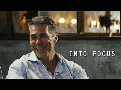 ESPN's Chris Fowler wants to call games and take pictures of animals | Into Focus