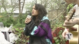 "SXSW 2016: Bibi Bourelly Performs Unreleased Song ""Love Me Fair"" In Our Backyard 