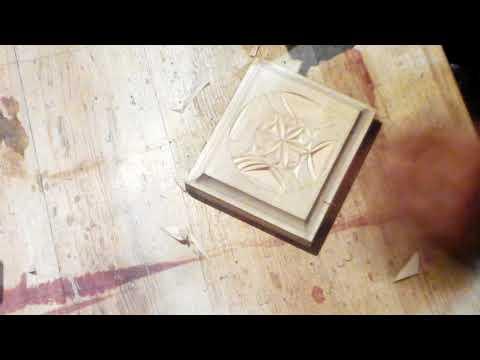Геометрическая резьба по дереву кришка для шкатулки.