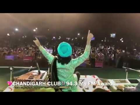 Satinder Sartaaj Live at My FM Chandigarh | New Song  ਲੱਗਦੀ ਏਂ Barbie💃ਦੀ ਡੌਲ Doll ਕੁੜੀਏ😉