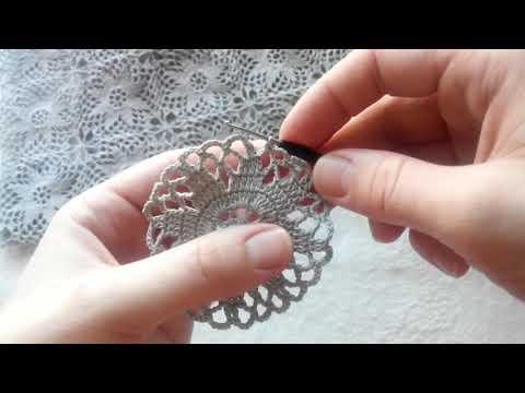 Салфетка крючком из ажурных мотивов
