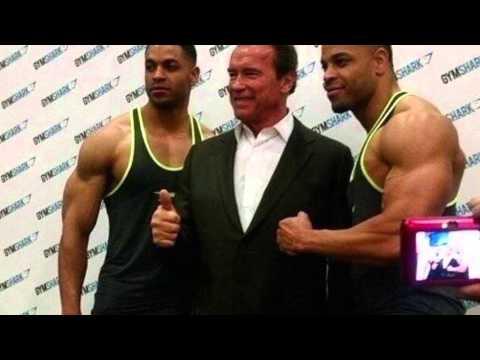 Hodgetwins meet Arnold Schwarzenegger!