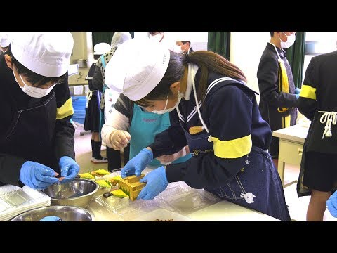 まちの自慢 押し寿司作りを学ぶ・府中小学校6年生