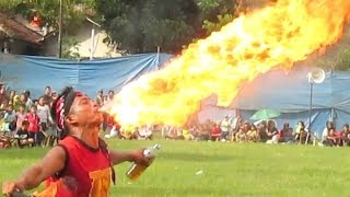 FIRE BREATHING - Atraksi Bujang Ganong Reog Ponorogo - FIRE DANCE [HD]