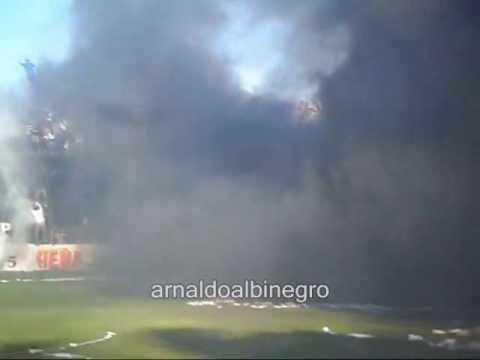 """""""RECIBIMIENTO CHACO FOR EVER VS JUVENTUD UNIDA DE GUALEGUAYCHU 30/6/2013"""" Barra: Los Negritos • Club: Chaco For Ever"""