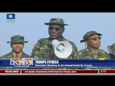 COAS Buratai,Army Officers Climb Mount Aso Rock