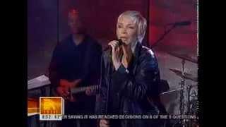 Annie Lennox - Dark Road (Live)