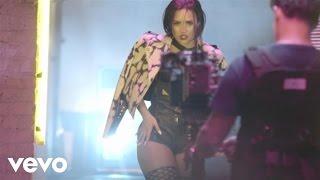 Деми Ловато, За кулисами съемок видеоклипа на сингл «Cool for the Summer»