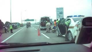 preview picture of video 'Kemalangan di Lebuhraya Elite KM15.6   GPS Info = +2.978345,+101.572127'