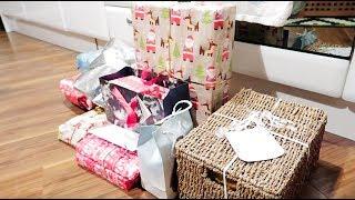 Wrapping Christmas Presents 2018 (Vlogmas Days 14 15 16)