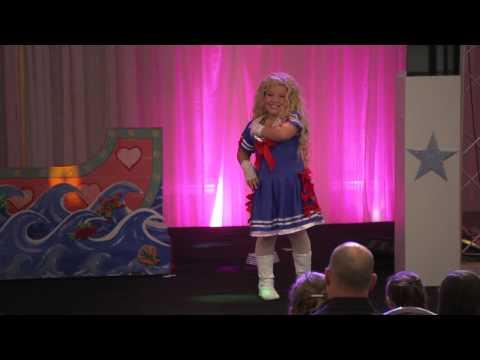 Jackass Presents: Bad Grandpa (Clip 'Beauty Pageant')