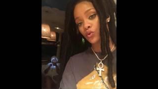 #Rhianna is an #Illuminati member or nah? #Kemetic #Egyptian #Anhk necklace! #Occult  symbol!