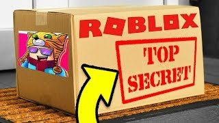 ROBLOX SENT ME A *SECRET* PACKAGE IN THE MAIL...