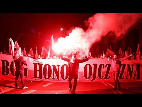 العرب اليوم - شاهد:اليمين المتطرف يتصدّر مسيرة احتفال بولندا بمائة عام على استقلال البلاد