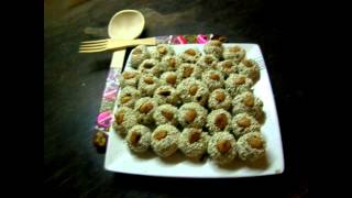 Смотреть онлайн Готовим полезный десерт из сухофруктов и орехов