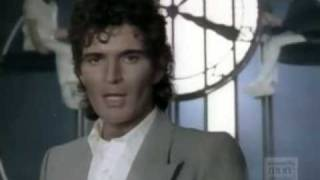 Gino Vannelli - Hurts To Be In Love video