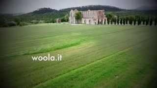 preview picture of video 'Matrimonio all' Abbazia di San Galgano ripresa aerea'