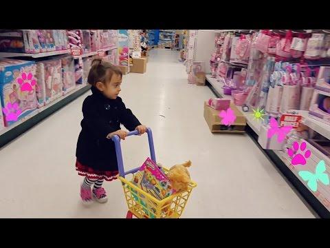 Cute Little Girl  Doing Shopping -TOYS