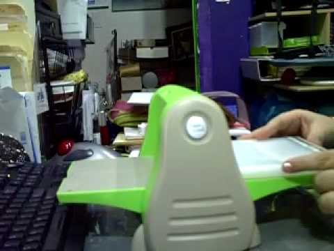 how to use a cuttlebug die cutting machine