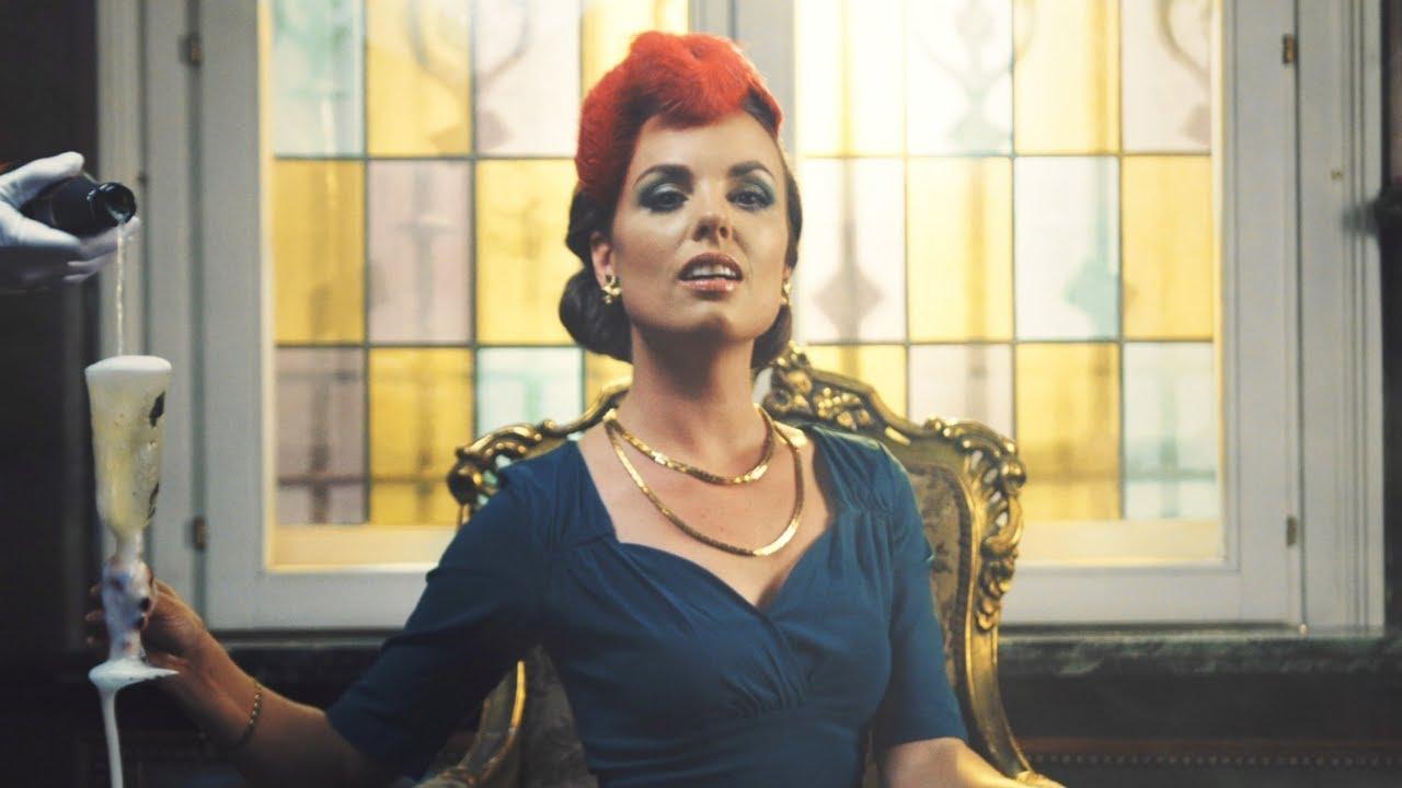Lucie Valentine - Veuve Clicquot