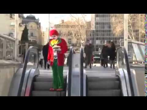 Funny Short Video Prank Escalator Lol !!