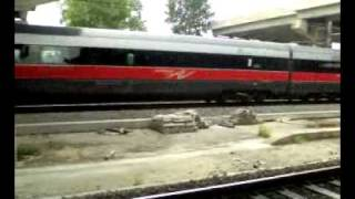 preview picture of video 'FrecciaRossa in transito'