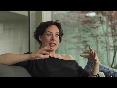 Schrijfster Ilse Ruijters opent het eerste Flevolandse boekengala in Dronten