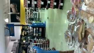 preview picture of video 'Rata en Supermercado de Guadalupe, Costa Rica'
