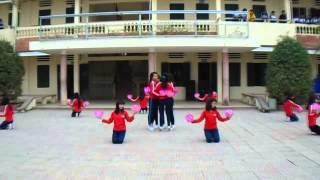 preview picture of video 'Múa Việt Nam Gấm Hoa 12D5 Trường THPT Nguyễn Trãi'