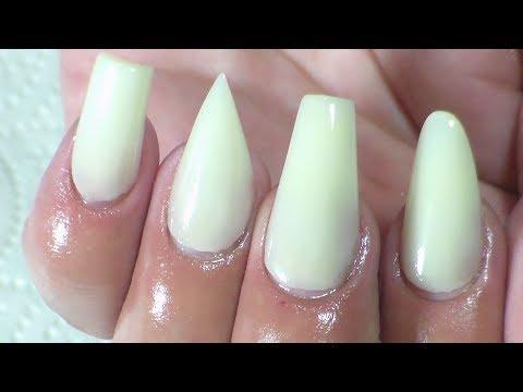 diferentes puntas de uñas acrilicas