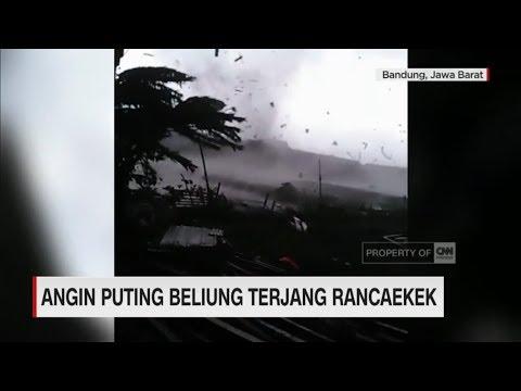 Detik-detik Angin Puting Beliung Terjang Rancaekek, Bandung