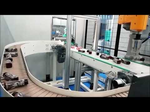 Movimentazione di bottiglie di prodotti liquidi in linea