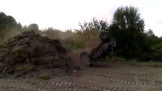 preview picture of video 'Off Road Jeep Cherokee 4.0 Słupsk kaskaderzy dachownie poligon wypadek pomorskie'