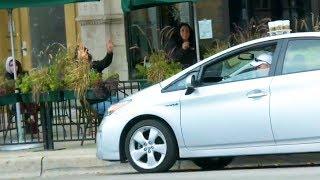 Пранк: Забыл кофе на крыше машины - Видео онлайн