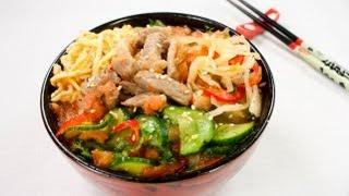 Смотреть онлайн Как приготовить корейский суп «Кукси» дома