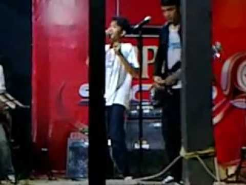 Guilty Beside Performing @HABA Cofee (Jemsession) Berdiri teman cover.flv