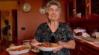 Pasta Grannies discover spaghetti with tiny meatballs from Abruzzo